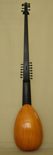 Front view of C45 Magno dieffopruchar Archlute, Multi-rib back - Grant Tomlinson Lutemaker