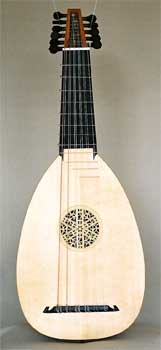 Front view of 6 course Descant lute, C39 Venere - Grant Tomlinson Lutemaker